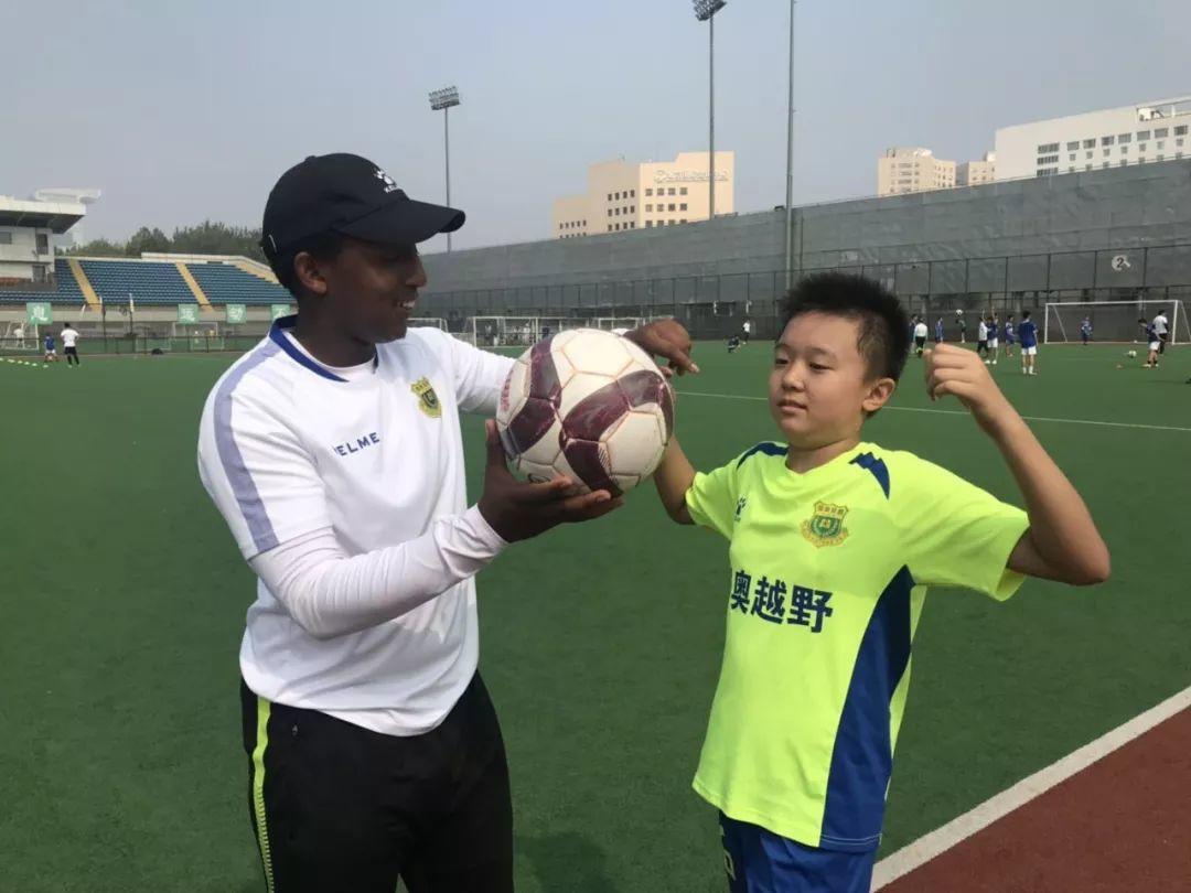 国奥越野足球夏令营火热进行中