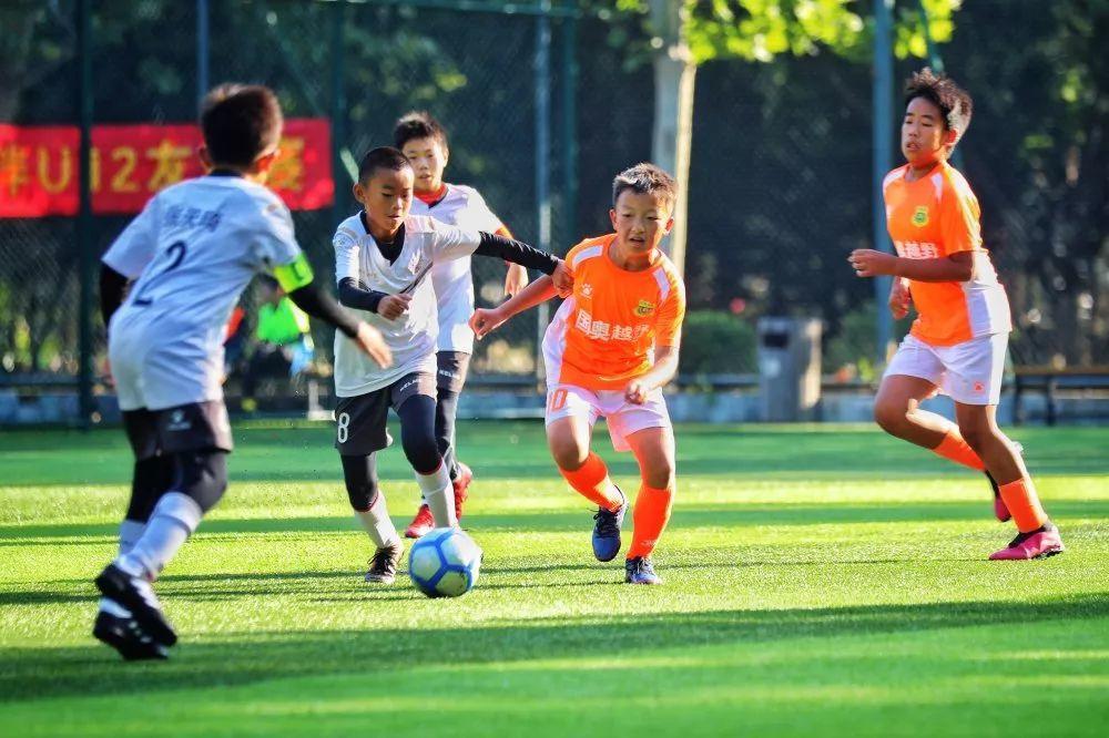 【喜报】国奥越野07队在首届索克能量杯青少年u12邀请赛中成功夺冠!